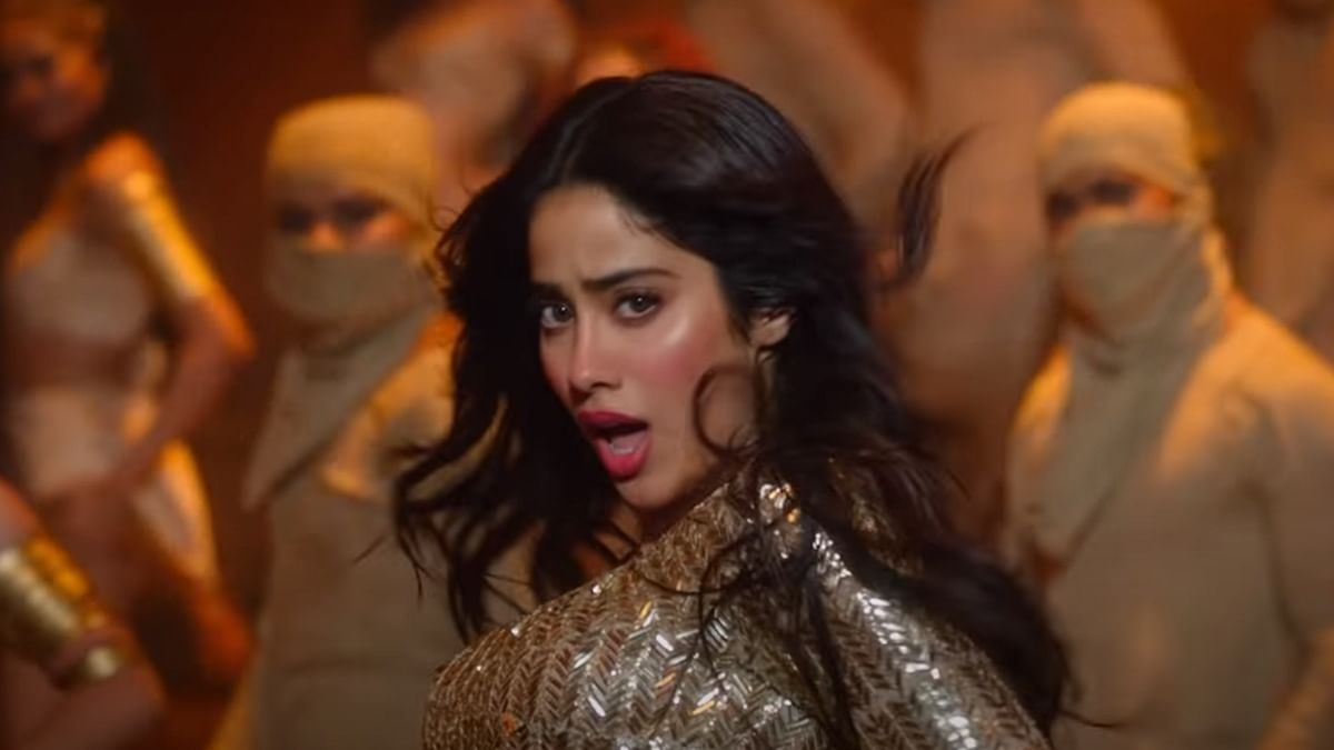 Janhvi Kapoor's rumoured ex-BF reacts to her sizzling dance number 'Nadiyon Paar' from 'Roohi'