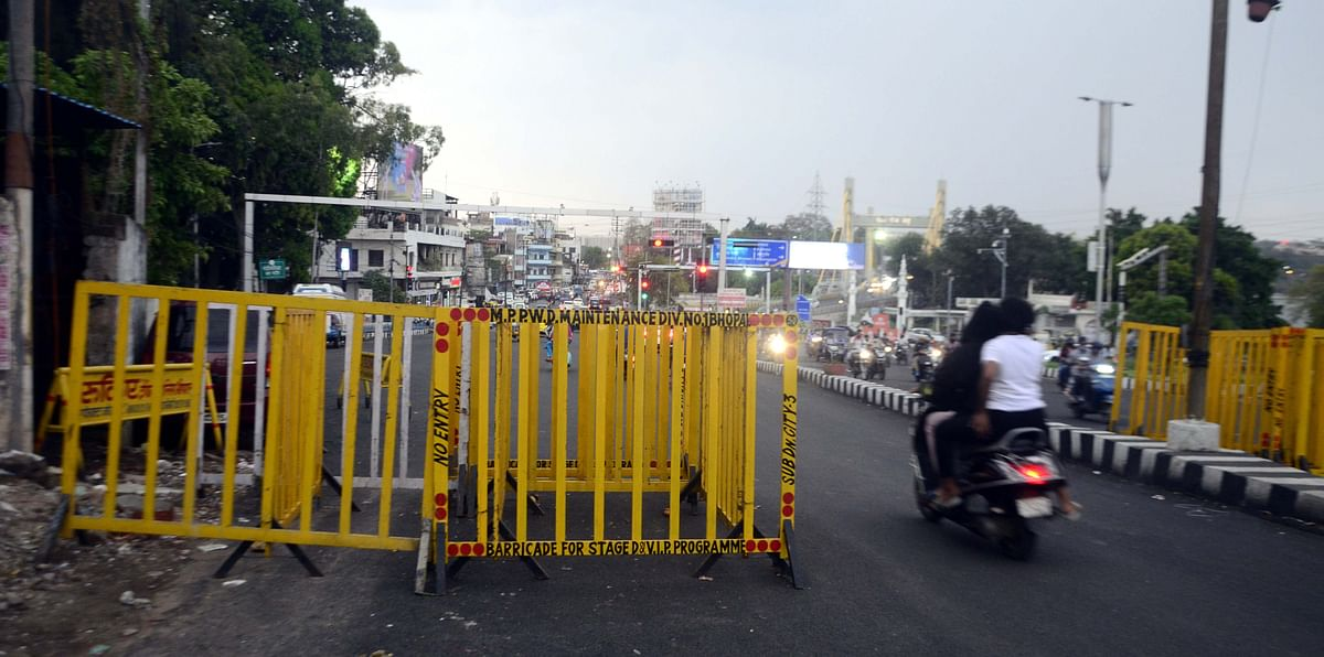 Roads were barricaded ahead of total lock down in the state capital, Bhopal, on Saturday.