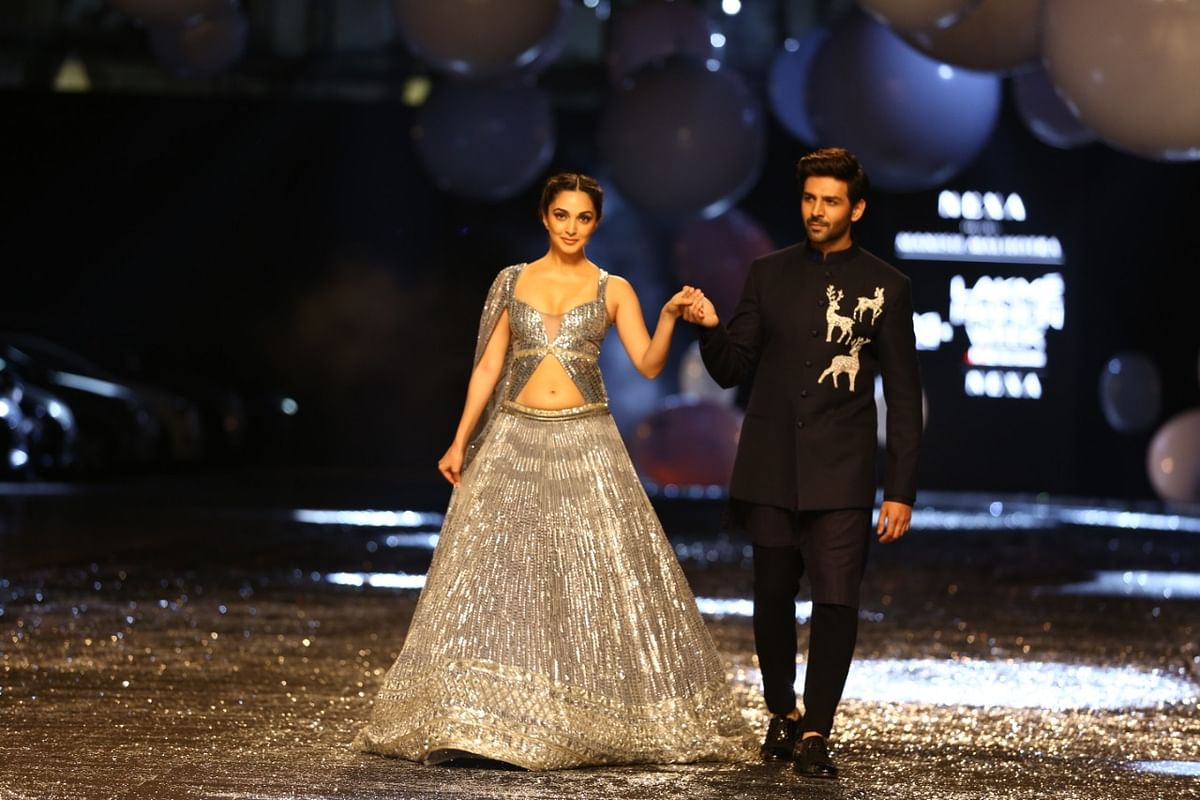 Kartik Aaryan and Kiara Advani were showstoppers for Manish Malhotra