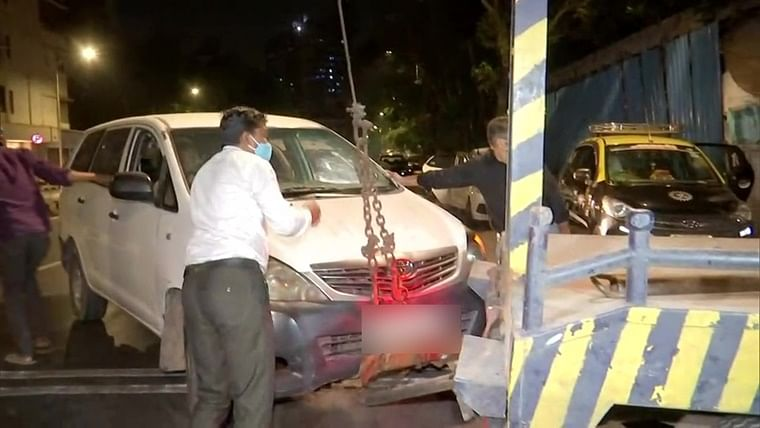 After arresting Sachin Vaze, NIA seizes Innova car in connection with Antilia bomb scare case