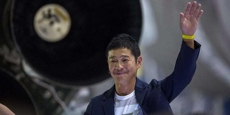 Japanese billionaire seeks 8 people for free Moon ride