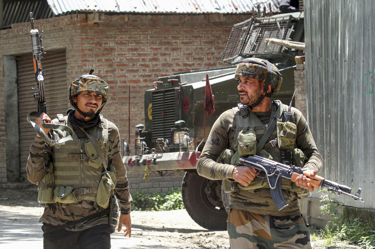 Municipal councillor, police personnel shot dead by militants in J&K's Sopore