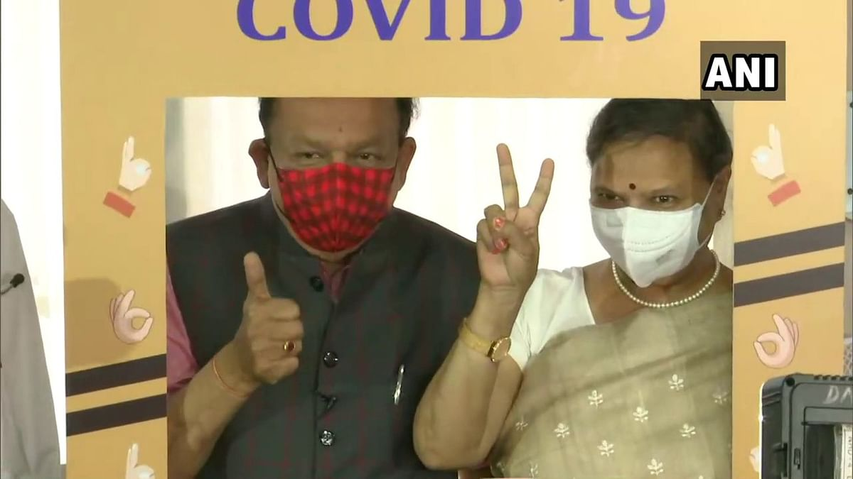 Health Minister Harsh Vardhan, wife get first COVID-19 shot