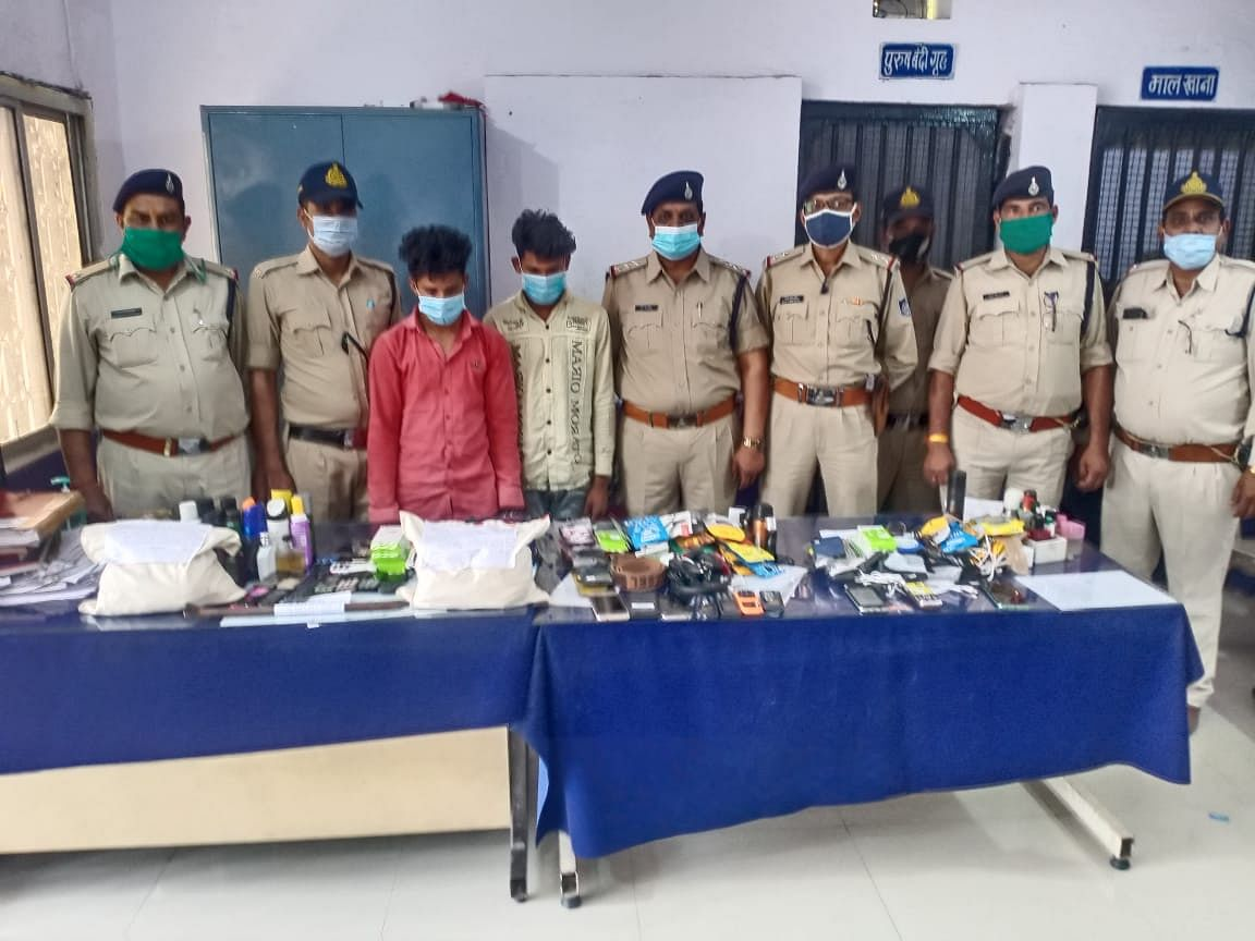 Pithampur police solve theft cases