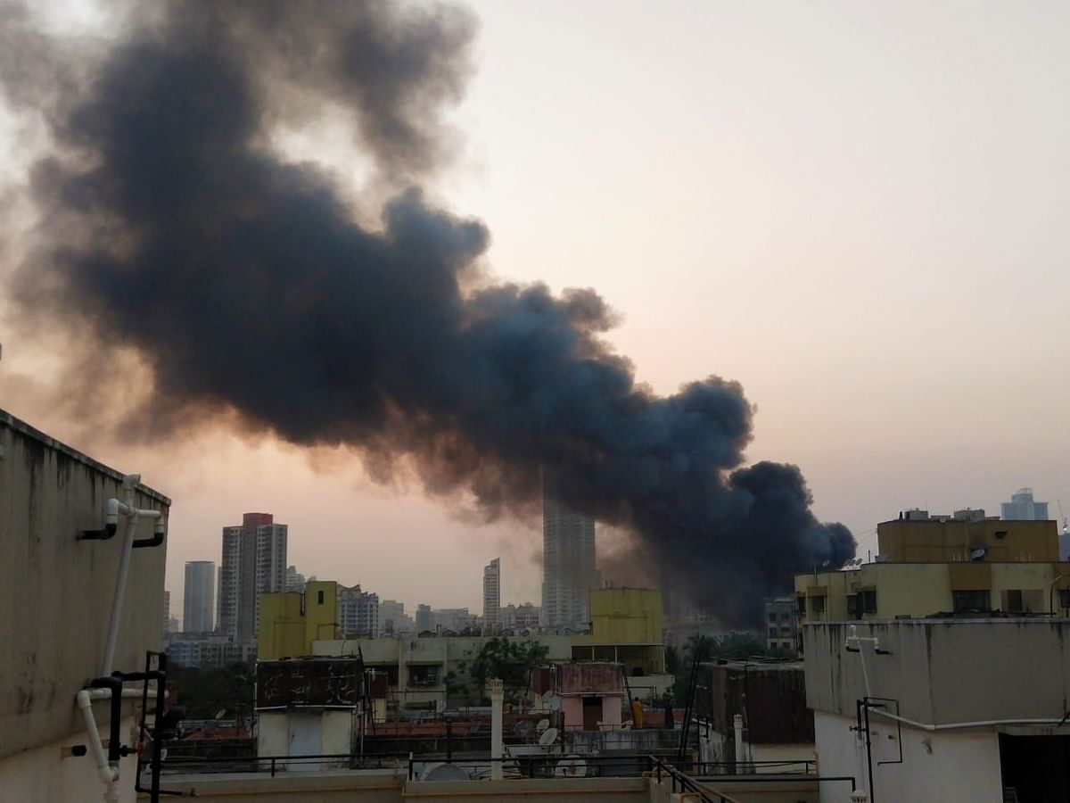 Mumbai: Fire breaks out near Gokuldham Colony in Goregaon