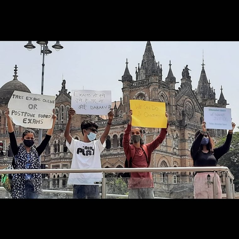 'If we can do classes online...': Students stage protests against offline HSC, SSC exams in Mumbai, demand to conduct online exams