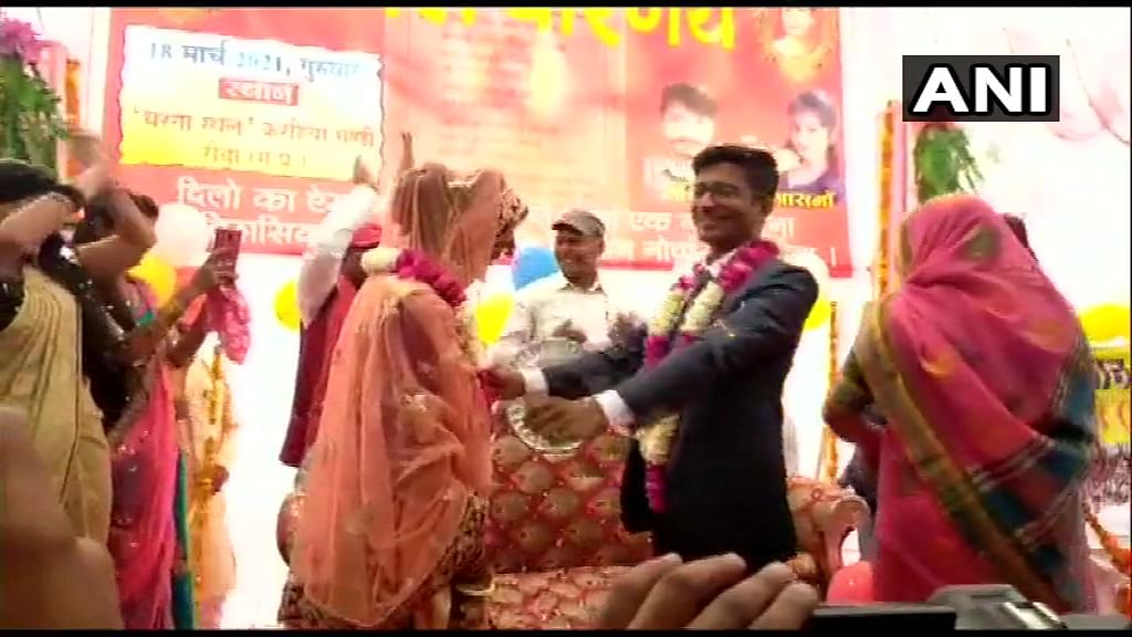 Farmers' protest site turns wedding venue as couple ties knot in MP's Rewa