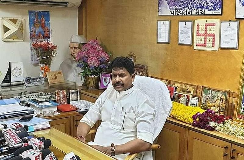 Mumbai: Opposition wants Privileges Committee to probe dead MP Mohan Delkar's allegations