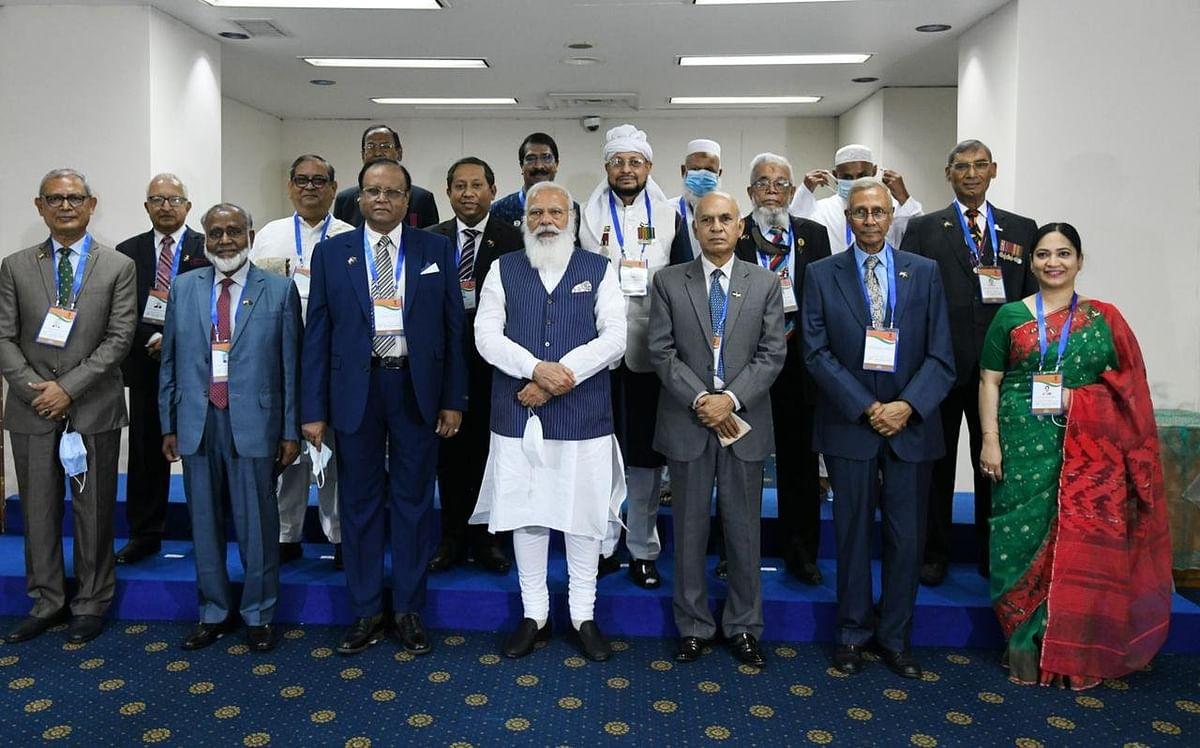 Prime Minister Narendra Modi met 'Muktijodhas', the liberation war fighters of Bangladesh, in Dhaka.