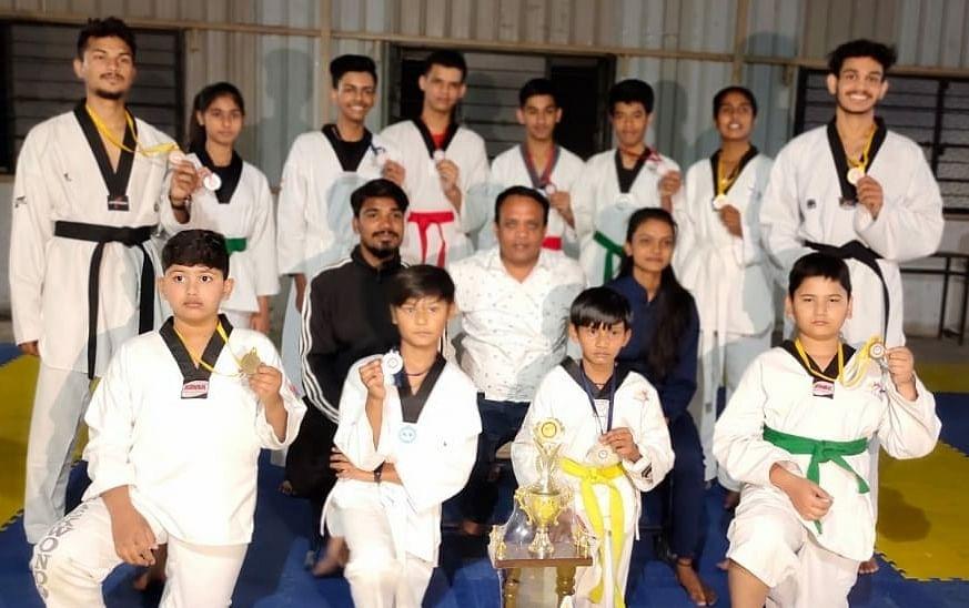 Winners of taekwondo contest