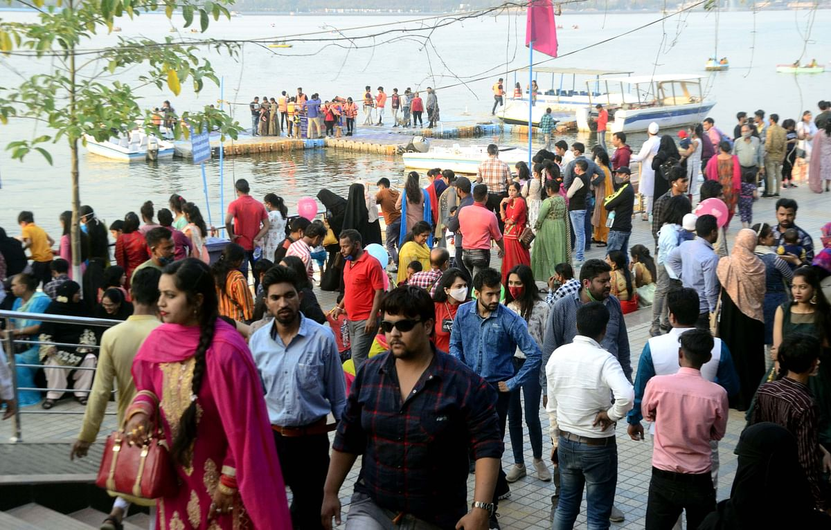 CORONA KAAL: Rush at Bhopal's Boat Club reflects worrying absence of fear