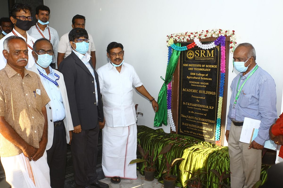 Dr. T.R. Paarivendhar inaugurates new facilities at SRM College of Agricultural Sciences