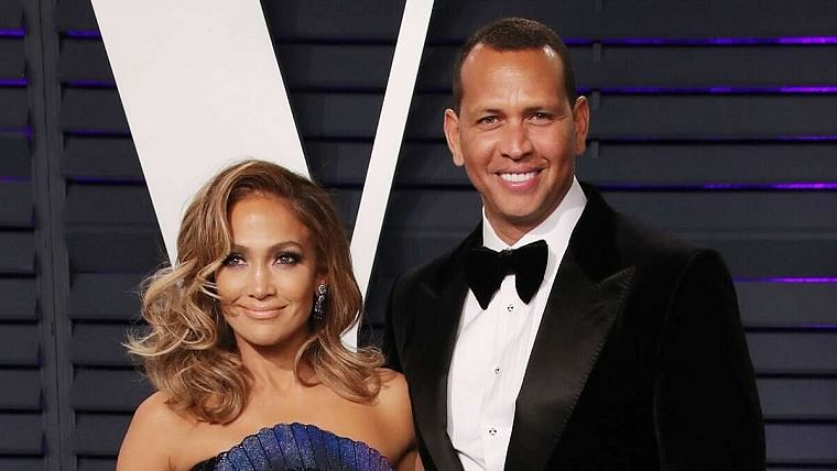 Jennifer Lopez had contemplated break-up with Alex Rodriguez for six months?