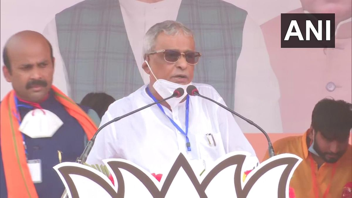'Our family is with you': Suvendu Adhikari's father attends Amit Shah's West Bengal rally
