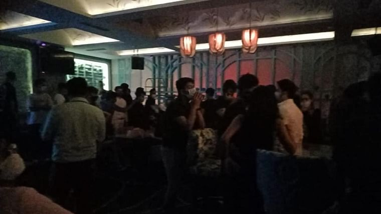 COVID-19 surge: BMC files FIR against South Mumbai restaurant for failing to impose COVID-19 restrictions