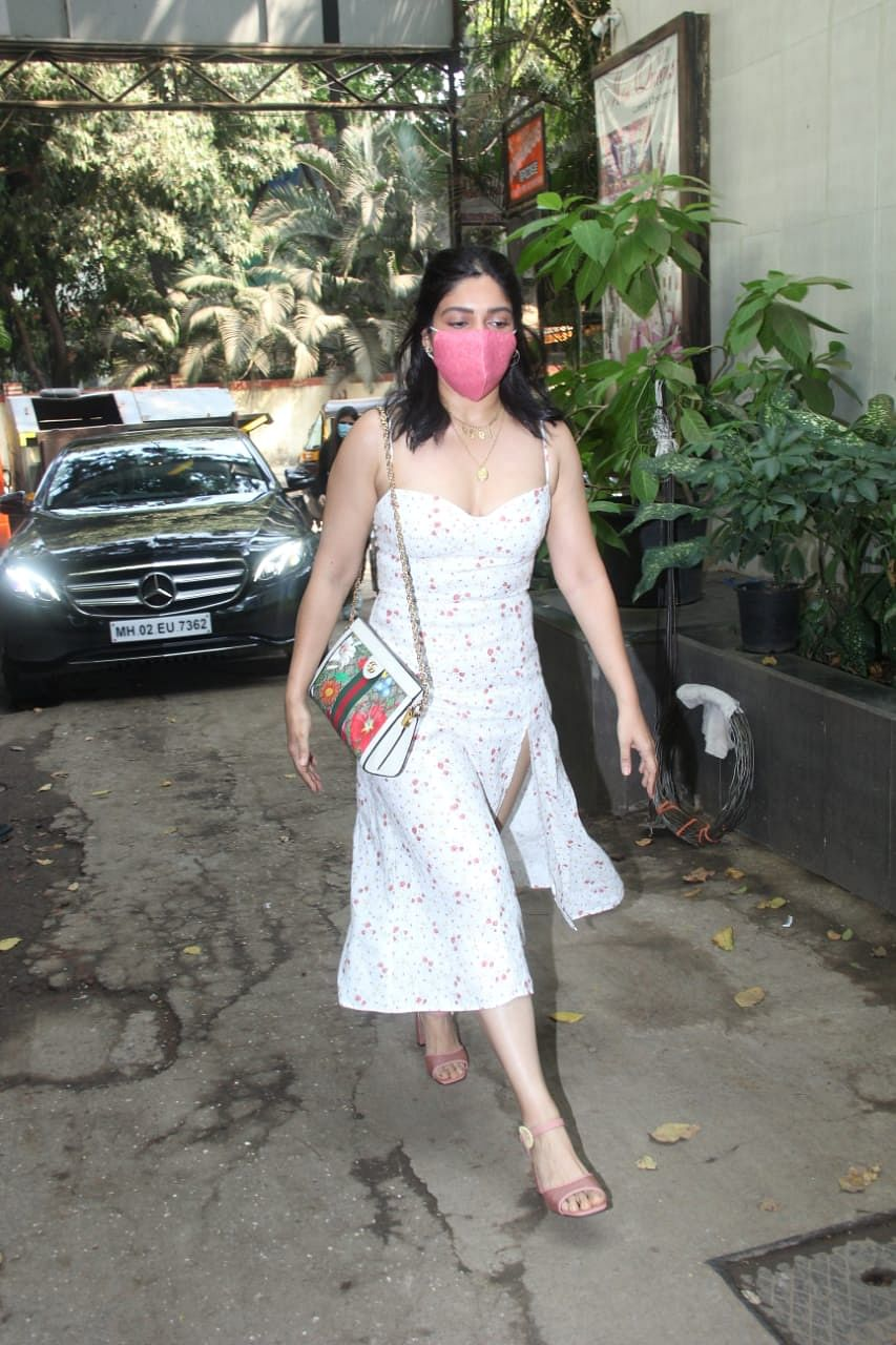 Summer school of fashion: Bollywood stars show you how to beat the heat with floral trend