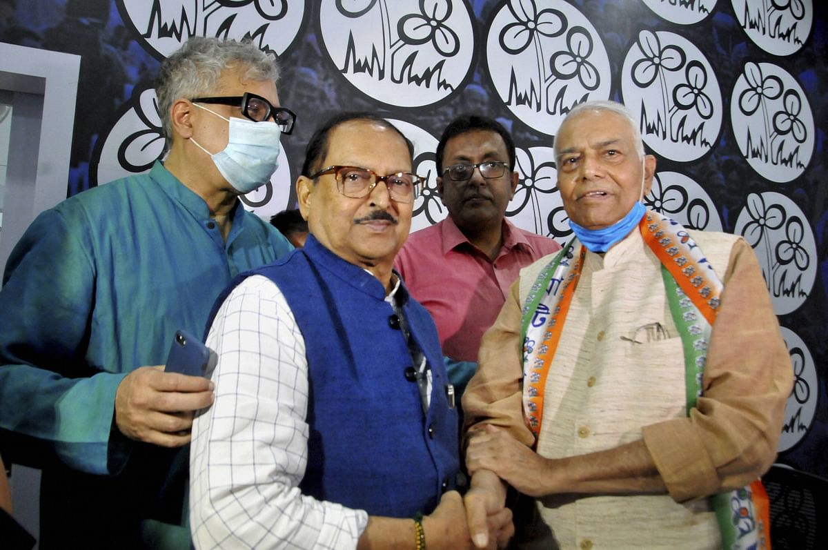 Fight for West Bengal: Yashwant Sinha joins hands with Mamata Banerjee to give Modi-govt a handful