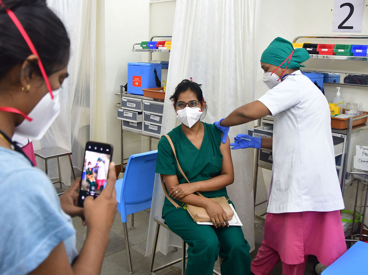 '24x7 jabs are easier said than done':  BMC likely to outsource manpower to keep COVID-19 vaccination drive going in Mumbai