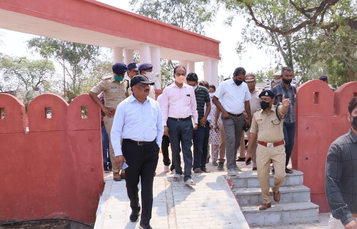 District collector Alok Kumar Singh and other senior officials inspecting venue for programme in Dhar on Wednesday