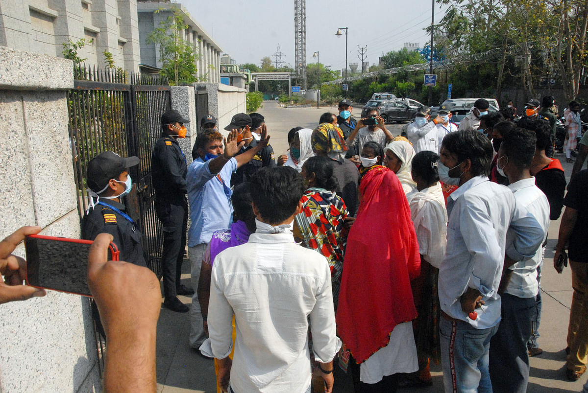 Bhopal: Family protests as AIIMS refuses to hand over Covid-positive patient's body