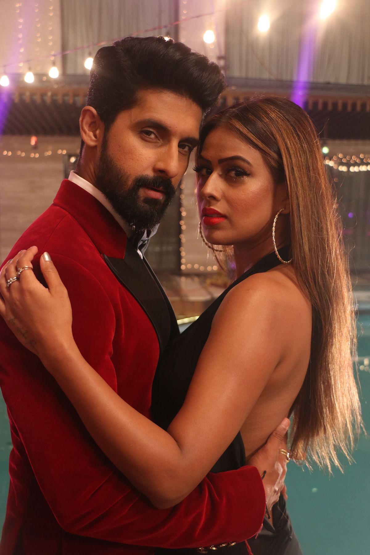 Ravi Dubey and Nia Sharma in Jamai Raja 2.0