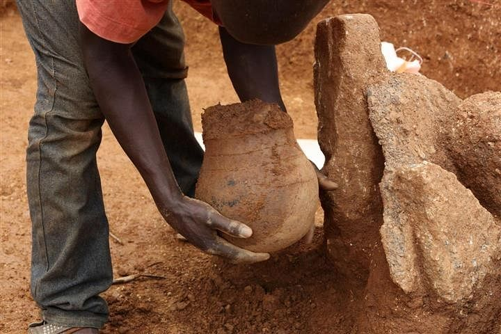 Scientists find 3,500 year-old honeypot from Africa