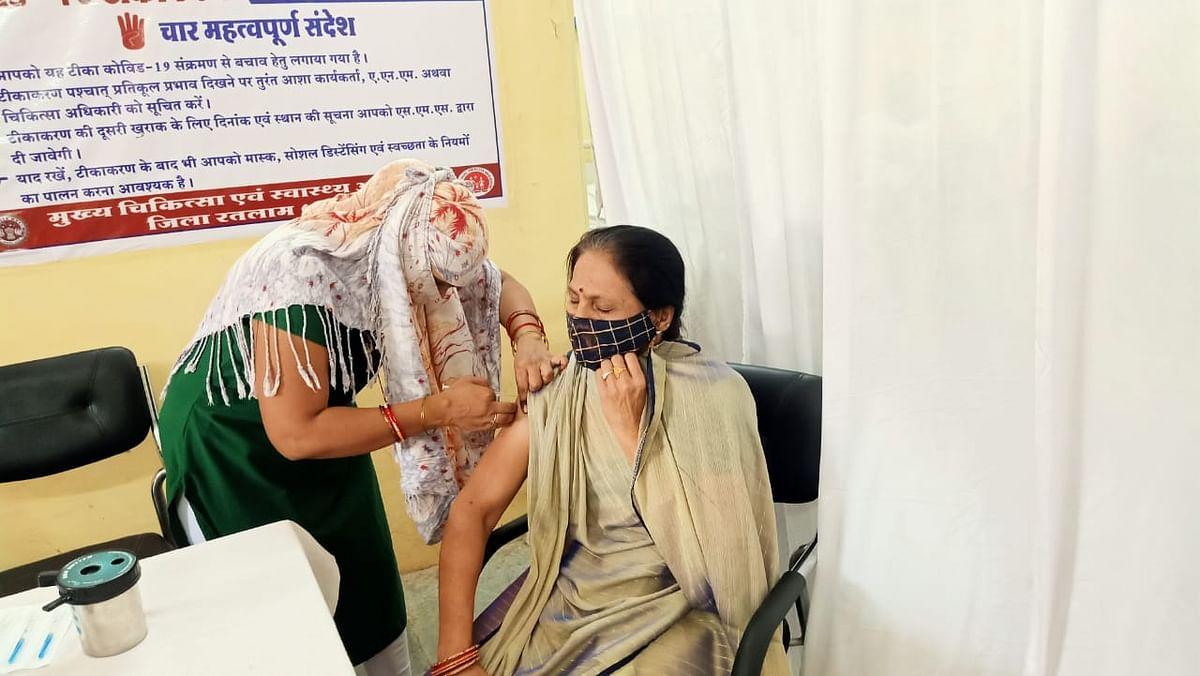 Madhya Pradesh: Free Press impact: Anti-Covid vaccination resumes in Sailana after two days