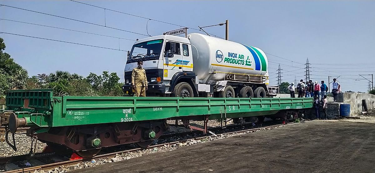 COVID-19: First 'Oxygen Express' departs Mumbai; set to return with liquid oxygen from Vizag