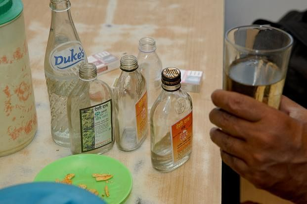 Madhya Pradesh: Two fall prey to illicit liquor in Gwalior