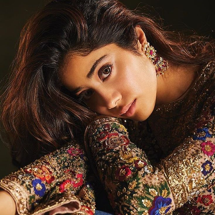 Janhvi Kapoor clarifies her 'inconsiderate' Instagram post in a bridal avatar amid COVID-19 crisis