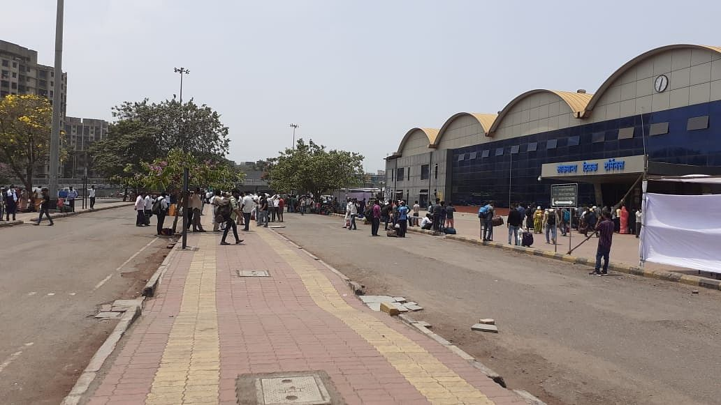 Mumbai: Central Railway files complaint with police against fake video of overcrowding at stations
