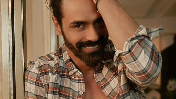 Arjun Rampal tests negative for COVID-19, credits vaccine for his swift recovery