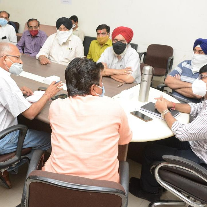 Ujjain: 'Food distribution to needy should be first priority'