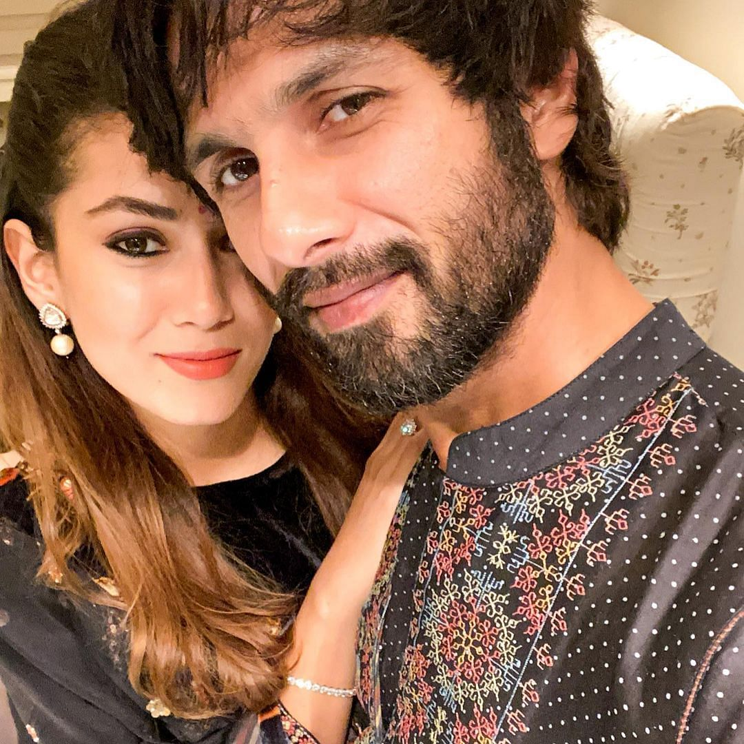 Shahid Kapoor's wife Mira looks stunning in a printed swimsuit in latest sun-kissed pic