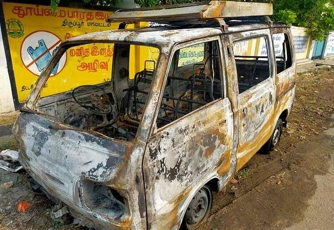 Tamil Nadu woman sets car with hubby ablaze for insurance claim