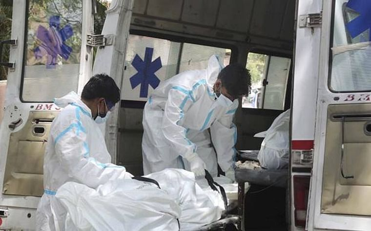 Maharashtra: Bodies of 22 COVID-19 victims stuffed in one ambulance while being taken to crematorium at Beed