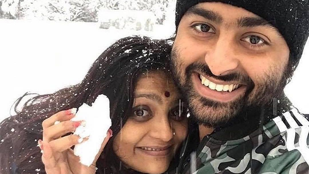 Arijit Singh's fans defend the singer's picture with wife Koel Roy after trolls mistake her for his 'mother'