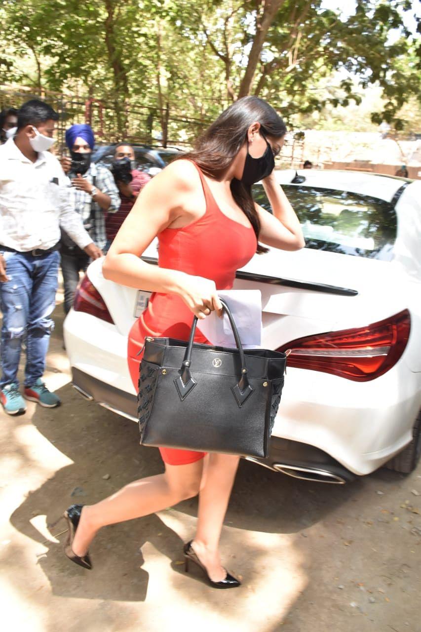 In Pics Arjun Kapoor celebrates Easter with Malika Arora's family; Madhuri Dixit, Dr Nene arrive in Mumbai