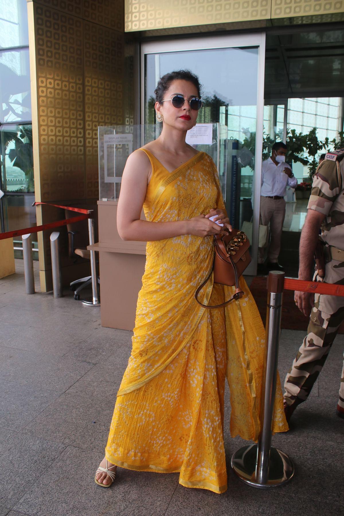 In Pics: Kangana Ranaut shows how to rock saree in summer as she sashays at Mumbai airport