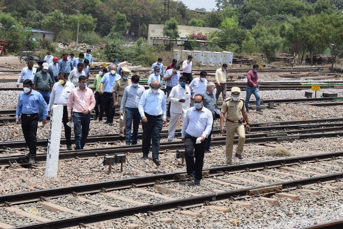 GM SWR inspects Headquarters and Hubballi Division