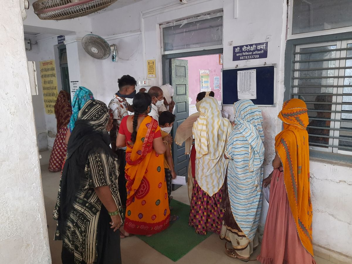 Madhya Pradesh: Covid patients die before receiving reports, samples remain untested in Meghnagar hospital