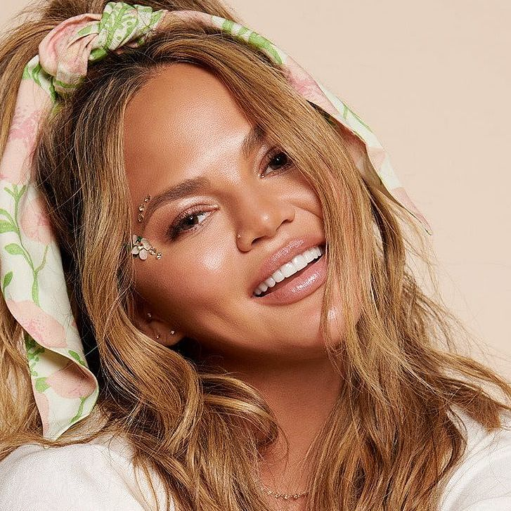 Within 3 weeks of quitting, Chrissy Teigen returns to Twitter, says it 'feels terrible to silence yourself'
