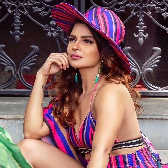 Television actress Aashka Goradia quits acting for THIS reason