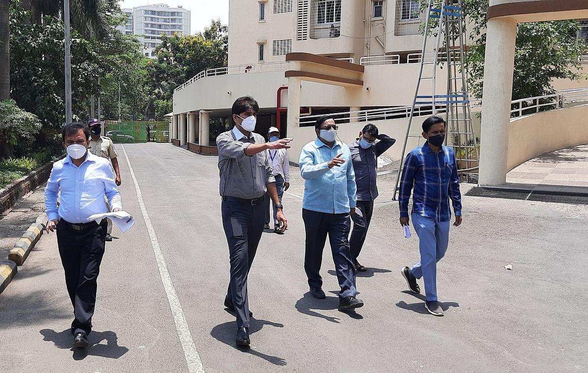 Navi Mumbai: NMMC chief pays a surprise visit to containment zones in Belapur, Nerul