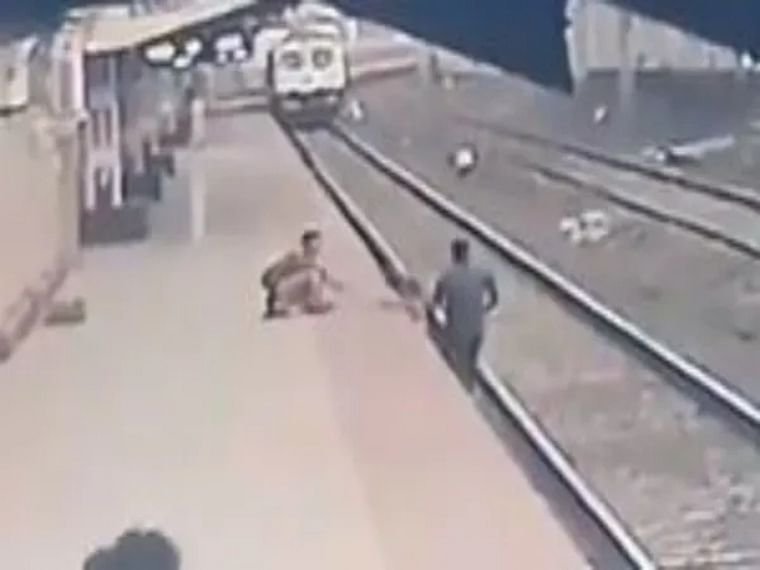 Railway pointsman saves child from approaching train, receives praise from Union Minister Piyush Goyal