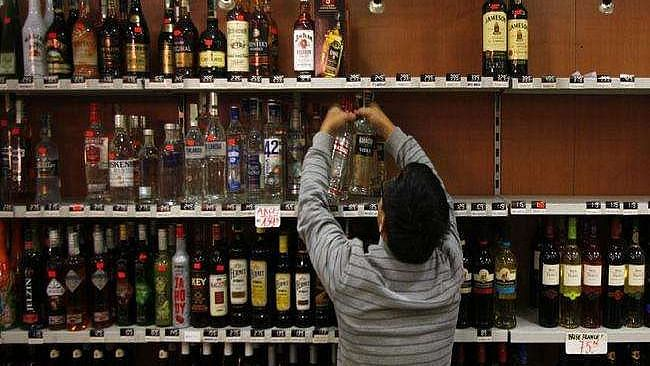 Mumbai: BMC allows home delivery of liquor between 7 am & 8 pm