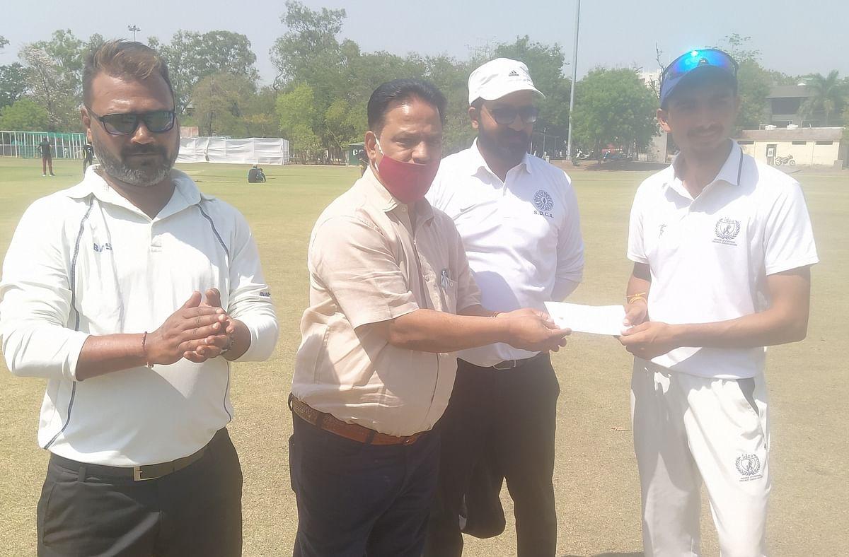 Hiralal Gaikwad U-18 cricket tournament