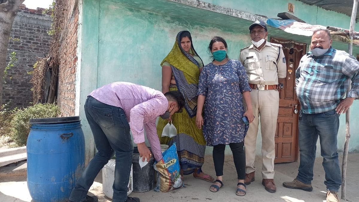 Ujjain: Two women arrested  for selling raw liquor