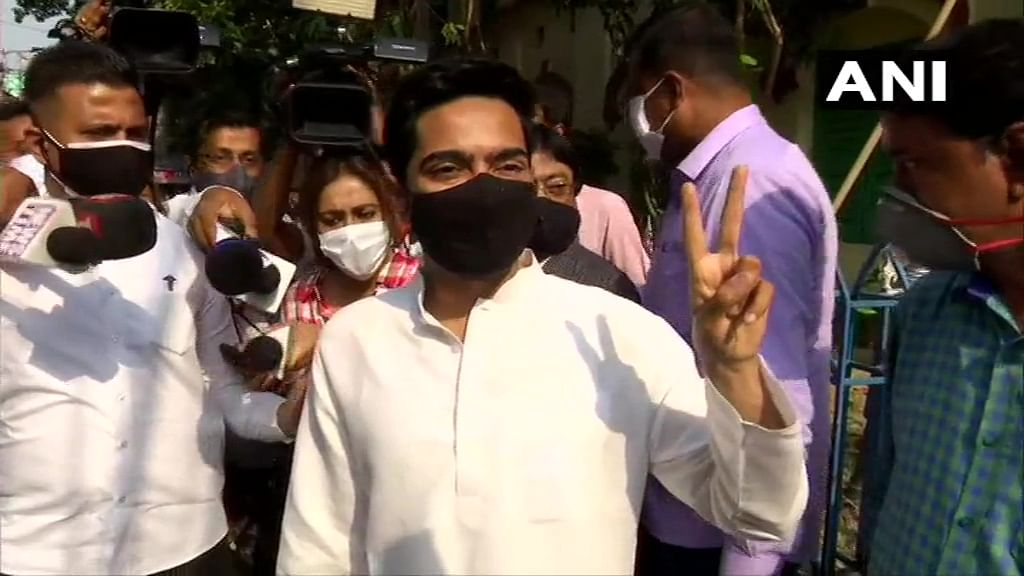 West Bengal: TMC supporters praise Abhishek Banerjee on Twitter after he distributes relief materials