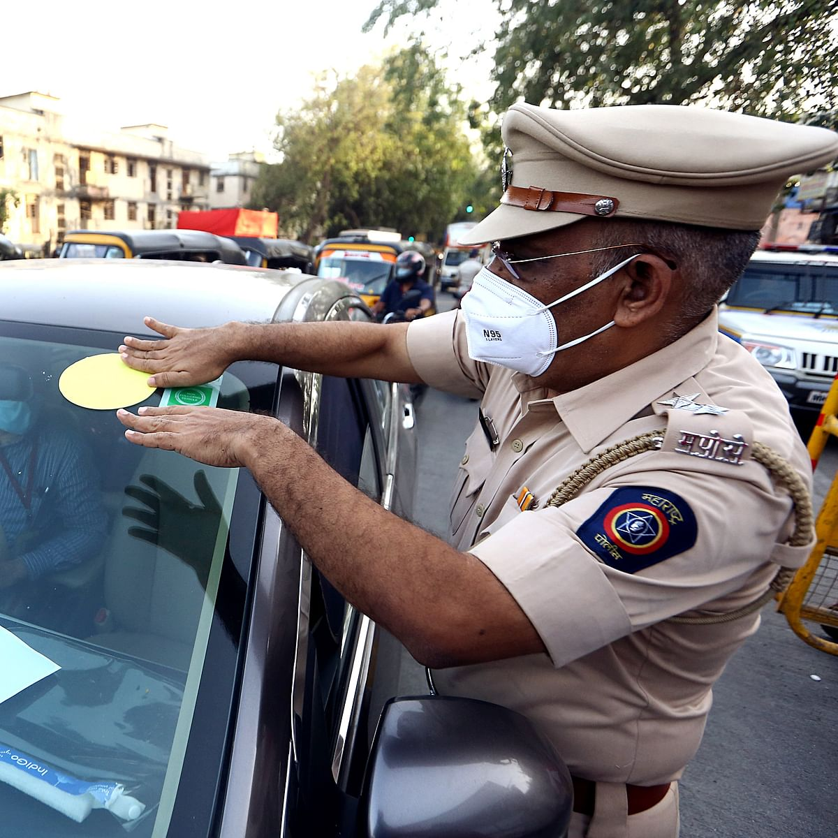 Mumbai: Less traffic congestion at Dahisar, Mulund toll plazas as people follow colour-coded sticker rule